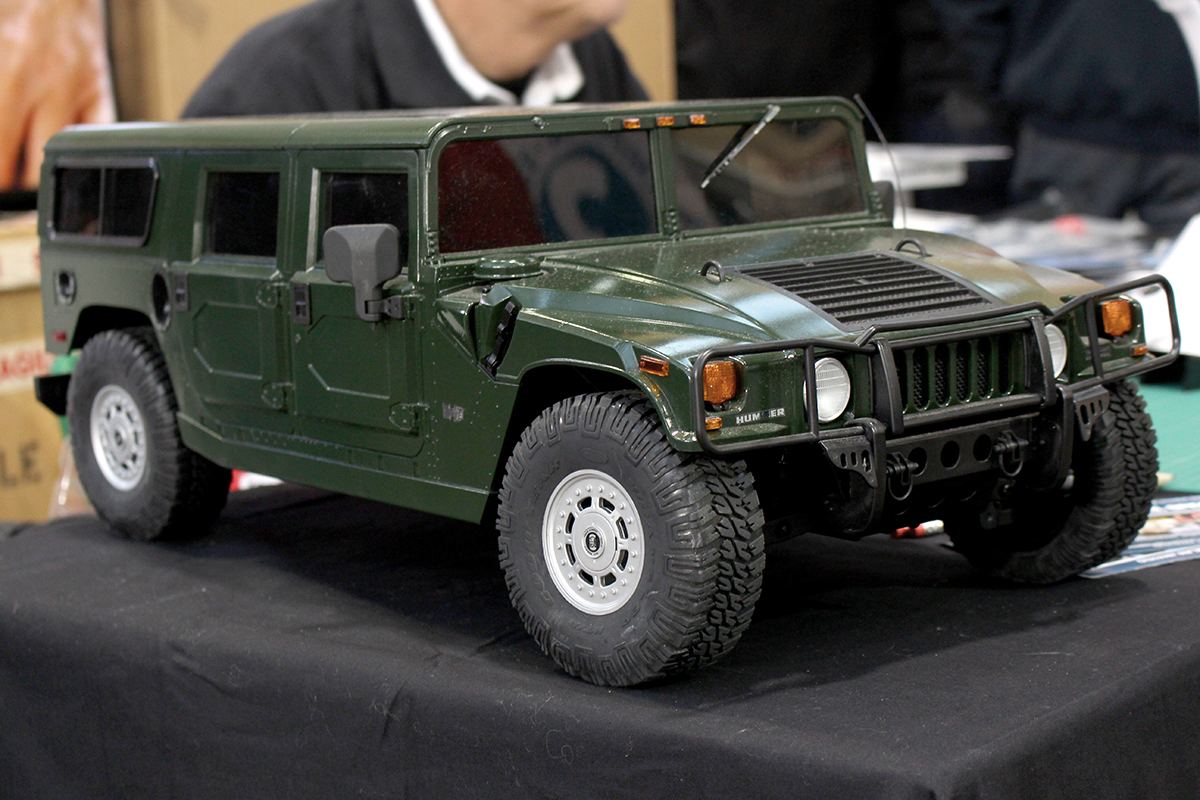 Image of the Hummer H1 SUV RC scale model
