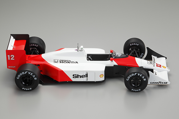 Image of the completed Senna McLaren MP4/4 scale model from DeAgostini ModelSpace