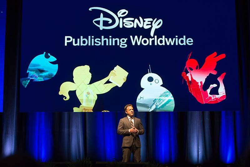 Image of stage at the Disney Publishing Awards 2016, where De Agostini won the Disney Product Innovation Award 2016