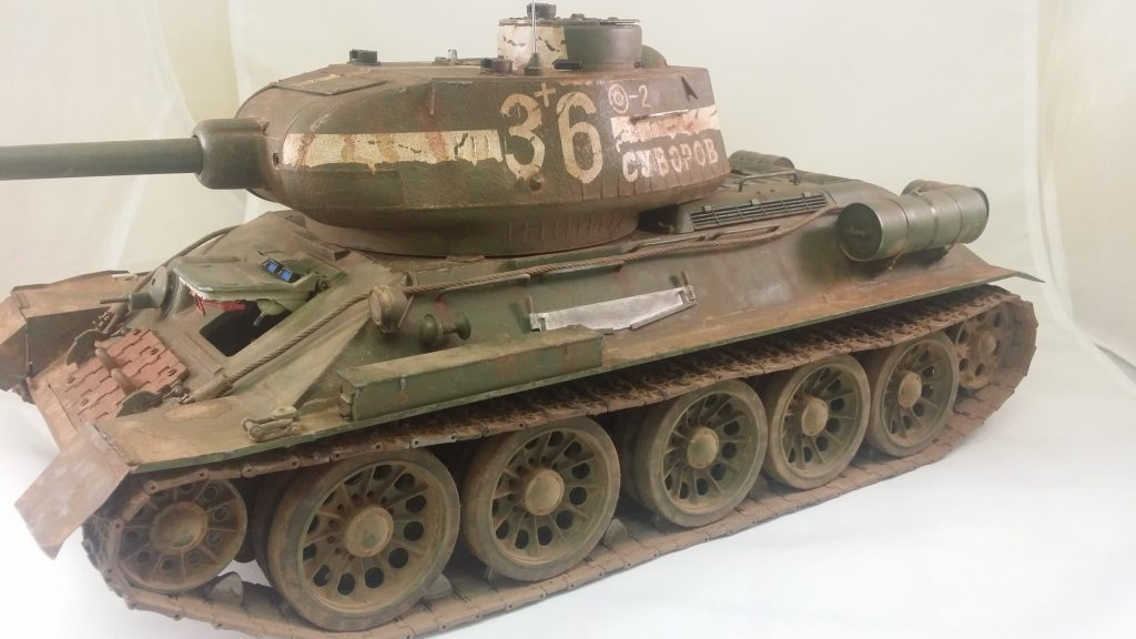 Image of T34-85 scale model tank, as part of a blog about the ModelSpace September scale modeller of the month - Daran Leaver.