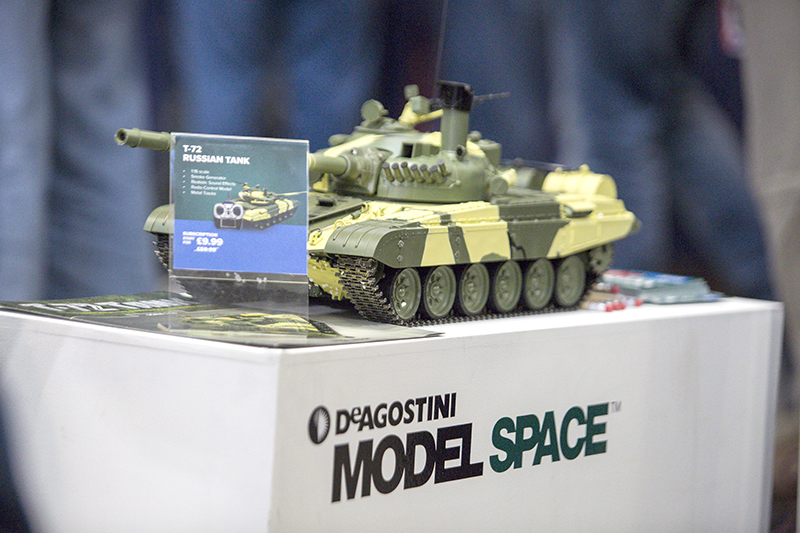 Image of the De Agostini ModelSpace 1:16 scale model T-72 Russian Tank, as part of a blog about the history and origin of the T-72 Russian Tank.