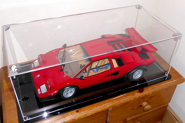 Image of a De Agostini ModelSpace 1:8 scale Lamborghini Countach model, as part of a blog about the ModelSpace March scale modeller of the month - Dave Crayford.