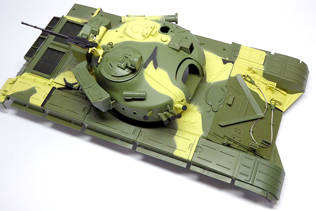 Image of a De Agostini ModelSpace 1:16 scale RC T-72 Russian Tank model, as part of a blog about the ModelSpace March scale modeller of the month - Dave Crayford.