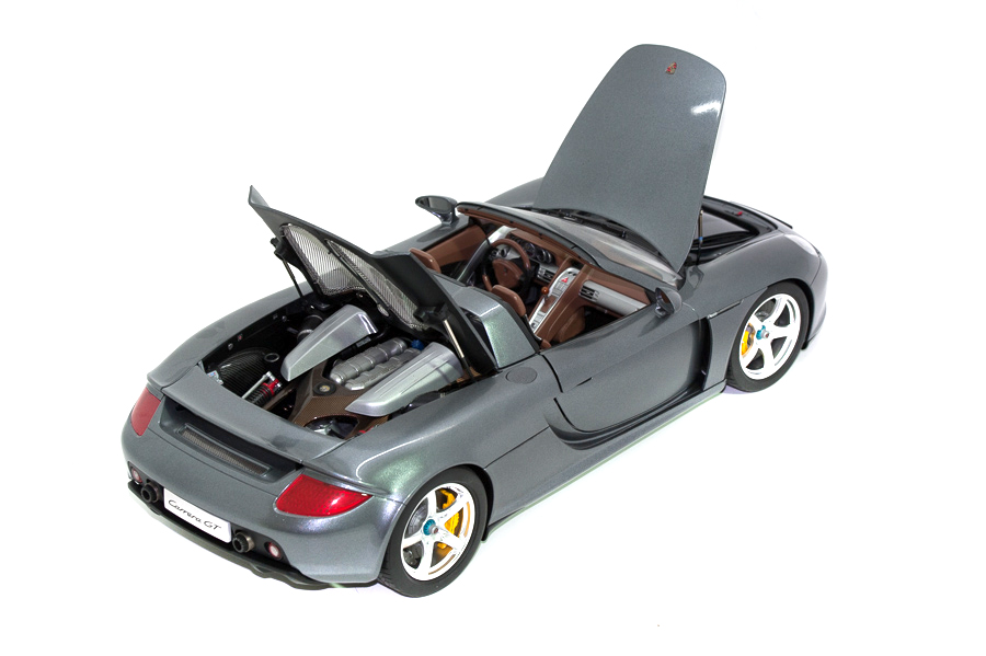 Image of Porsche Carrera GT scale model, as part of a blog about the ModelSpace May scale modeller of the month - Michal Chaniewski.