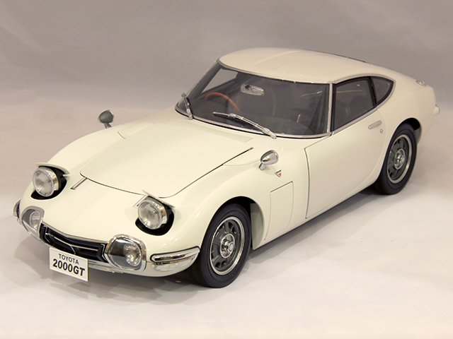 Image of the De Agostini ModelSpace 1:10 scale Toyota 2000GT scale model, as part of a blog about the ModelSpace July scale modeller of the month - Carl Darby.