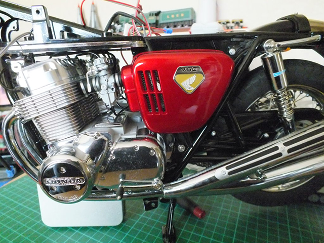 Image of the De Agostini ModelSpace 1:4 scale Honda CB750 scale model motorbike, as part of a blog about the ModelSpace August scale modeller of the month - Stephen Graham.
