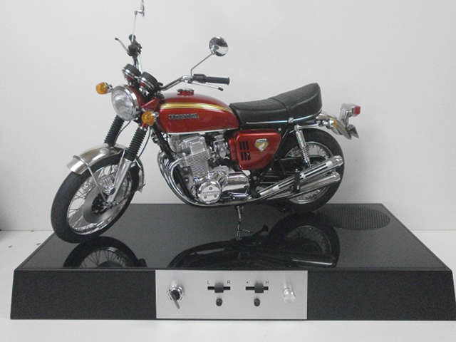 Image of the De Agostini ModelSpace Honda CB750 scale model motorbike, as part of a blog about the ModelSpace October scale modeller of the month - Andy Purchase.