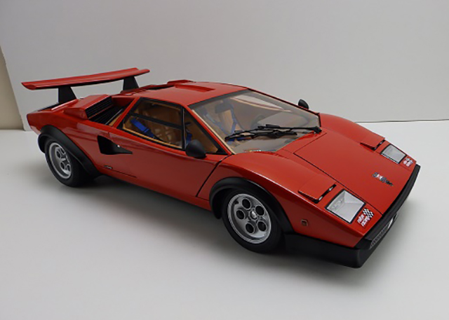 Image of the De Agostini ModelSpace Lamborghini Countach scale model motorbike, as part of a blog about the ModelSpace October scale modeller of the month - Andy Purchase.