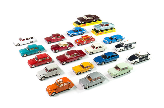 Image of the DeAgostini ModelSpace Dinky Toys diecast models, as part of a blog about how to start your diecast model collection.
