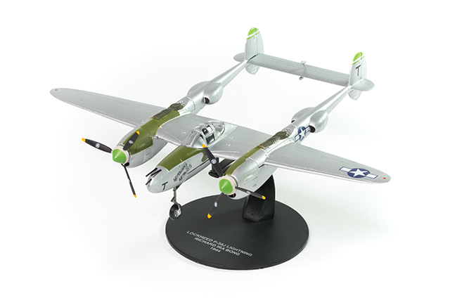Image of the DeAgostini ModelSpace Lockheed P-38 lightning diecast model plane, as part of a blog about how to start your diecast models collection.