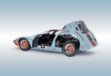 Picture of the DeAgostini ModelSpace 1:8 scale Ford GT, as part of a blog about the Ford GT's facts and history.