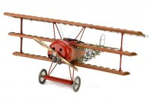 Image of the DeAgostini ModelSpace 1:16 scale Fokker Dr.I Red Baron plane model, as part of a blog about the WWI plane's history.