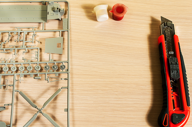 Image of plastic scale model, as the cover image for a guide blog about how to build plastic models.