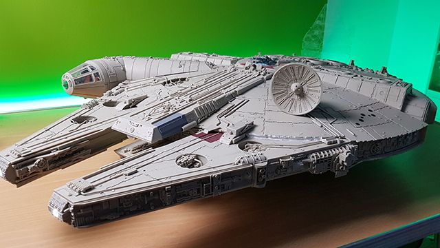 Image of the DeAgostini ModelSpace Millennium Falcon model as part of a blog about the ModelSpace scale modeller spotlight on World of Wayne.