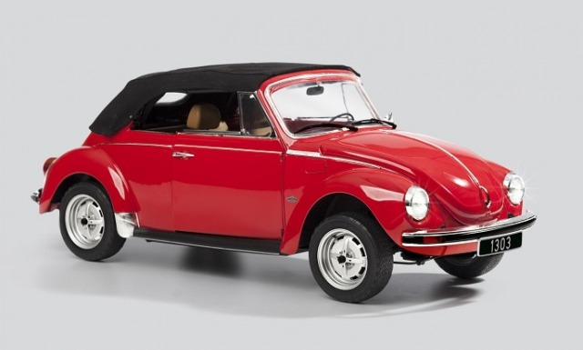 Image of VW Beetle 1303 Cabriolet 1:8 scale model, as part of a blog about building model cars.