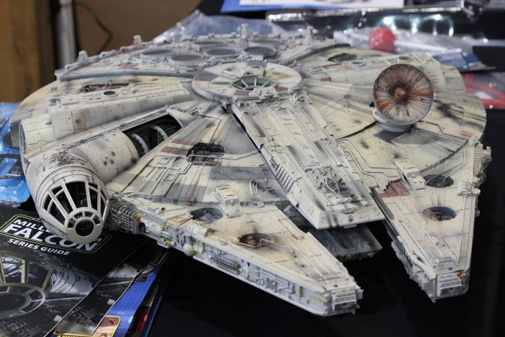 Image of DeAgostini ModelSpace 1:1 scale Millennium Falcon model, as part of a blog about how to paint model kits.