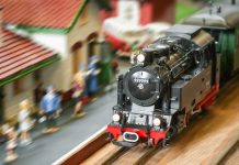 Image of a model train, as part of a blog about model train scales and sizes.
