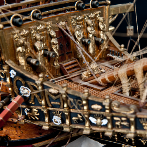 Build the Sovereign of the Seas - Guns, winches and the deck equipment are all superbly designed and finished