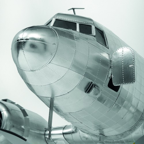 Build The Douglas DC-3 Model - Cockpit Door opens