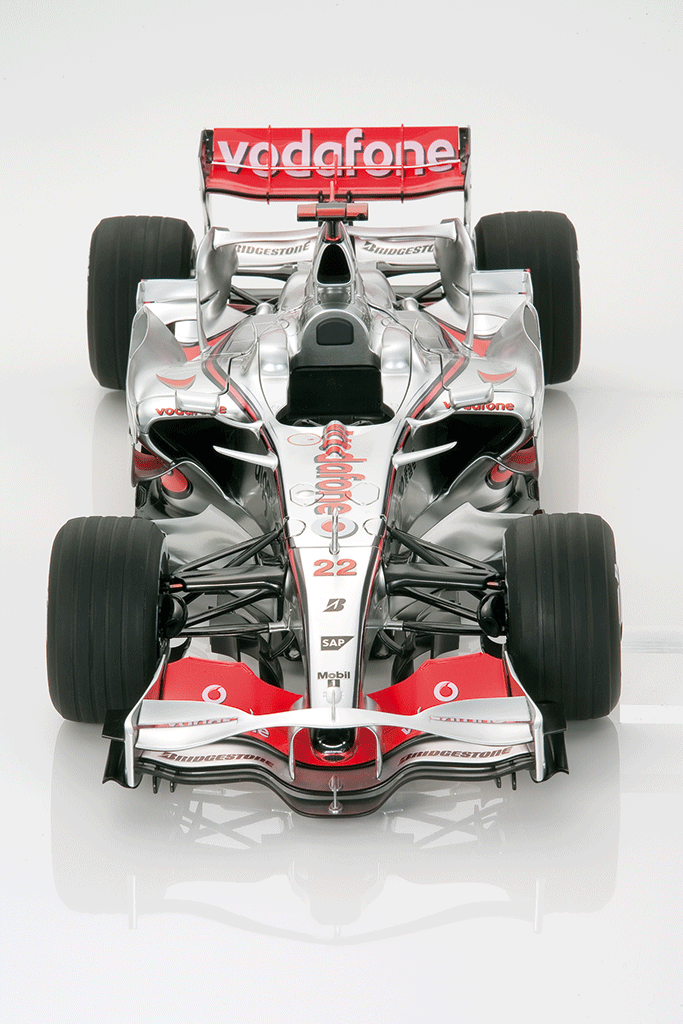 McLaren MP4/23 Model Car 1:8 Scale | De Agostini | ModelSpace