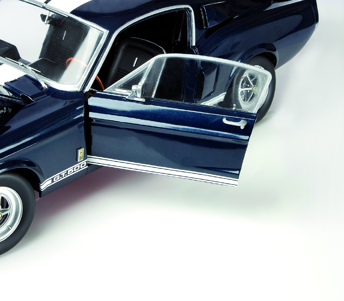 ... Shelby Mustang GT-500™ ...  sc 1 st  ModelSpace & Ford Mustang Shelby GT 500 Model Car Kit | ModelSpace markmcfarlin.com