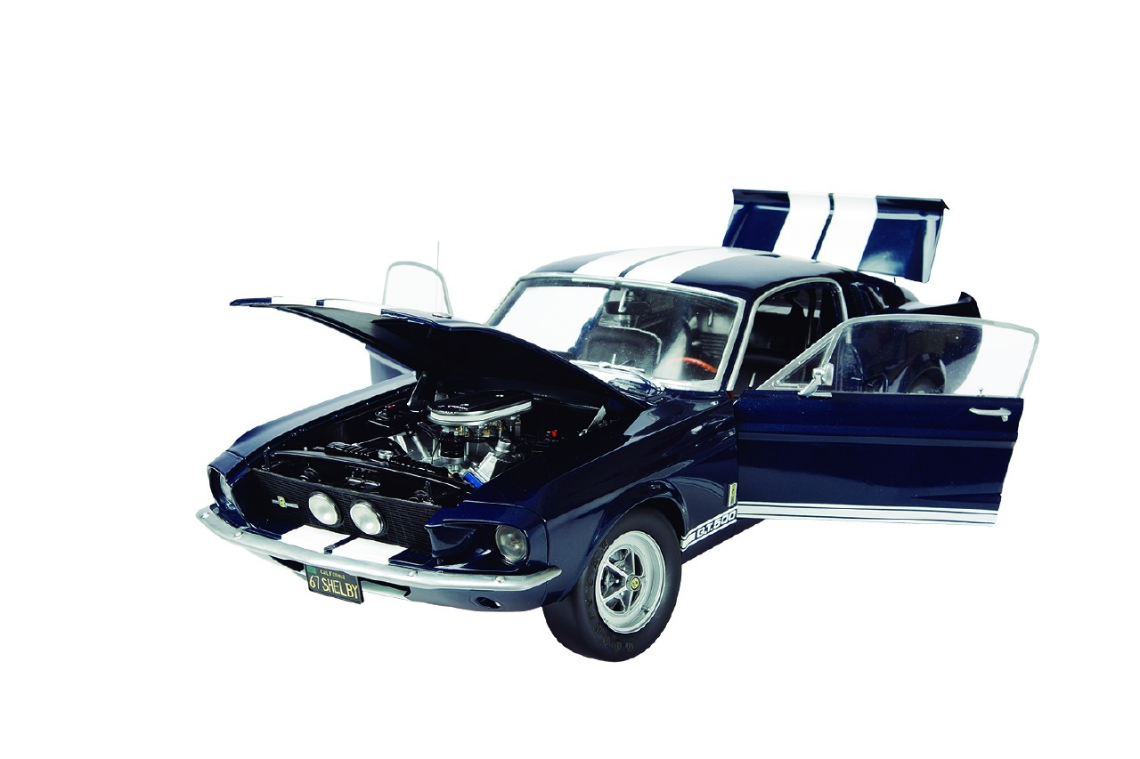 Build Your Own Ford >> Ford Mustang Shelby GT 500 Model Car Kit | ModelSpace