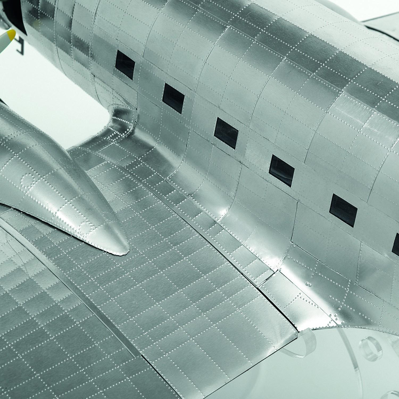 Douglas Dc3 Model Airplane 1 32 Scale Modelspace
