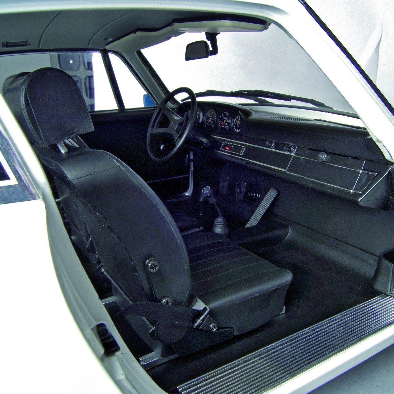 Build Model Porsche 911 Carrera 1 8 Scale Modelspace