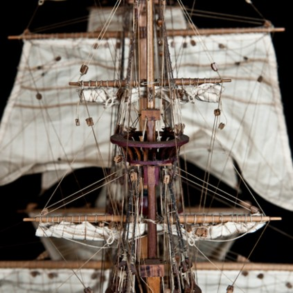 Build the Sovereign of the Seas - The masts, yards and flagpoles are easily fitted with rigging and other essentials.