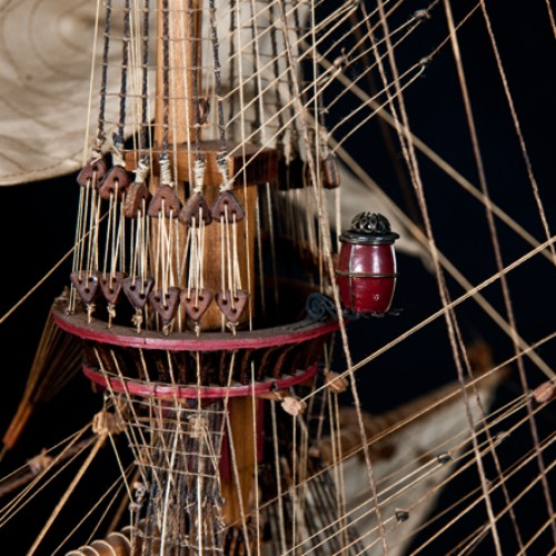 Build the Sovereign of the Seas -  Every rope and spar is accurately depicted