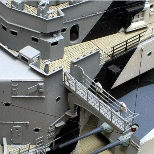 bismarck  modellschiff komplett set modelspace