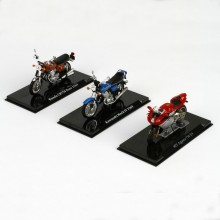Superbike-Serie im Maßstab 1:24