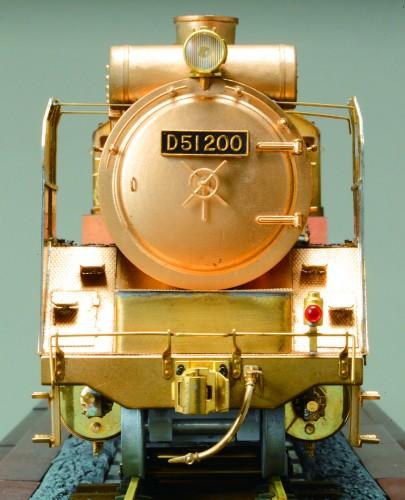 Bauen Sie die Dampflokomotive D51 - Gewicht: über 10 kg