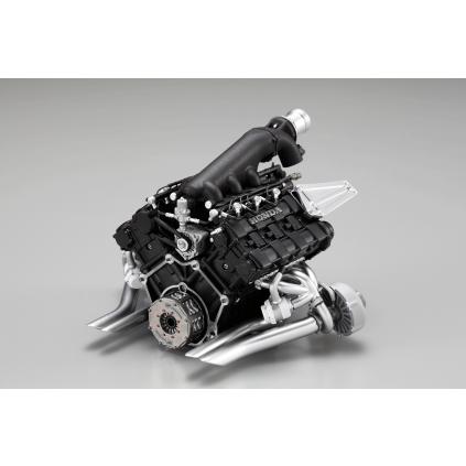 Bauen Sie den McLaren Honda MP4/4 - Die detailgetreue und authentische Reproduktion des Honda-V6-Turbo-Motors kann herausgenommen und separat aufgestellt werden.