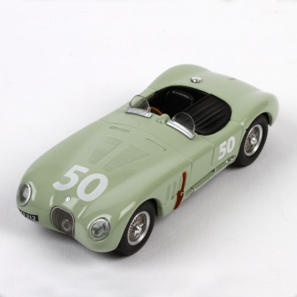 Der Jaguar C-Type errang gleich beim ersten Versuch in 1951 den Sieg beim 24-Stunden-Rennen von Le Mans.