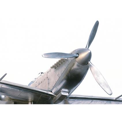 Bauen Sie die Supermarine Spitfire - Von Spezialisten des Flugmodellbaus entwickelt.