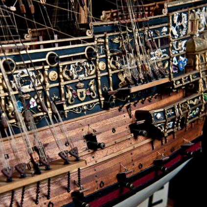 Bauen Sie die Sovereign of the Seas - Mit über 100 Kanonen bewaffnet.
