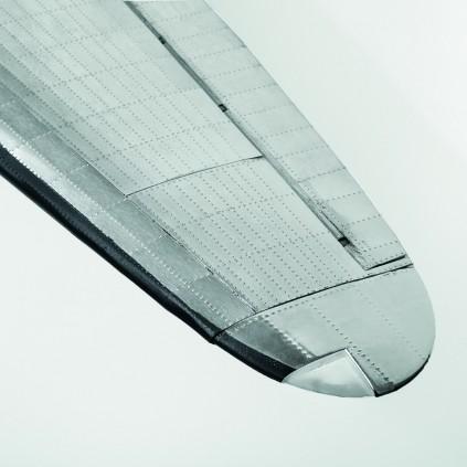 Bauen Sie die Douglas DC-3 - Detaillierte Tragflächenspitzen
