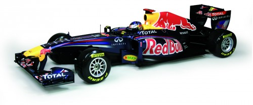 Red Bull Racing RB7 - Länge: 689 mm, Breite: 250 mm, Radstand: 452 mm