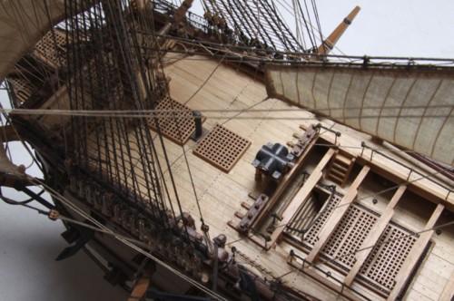 Admiral Nelsons HMS Victory - Beplankung aus hochwertigem Hartholz.