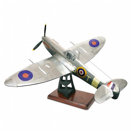 Bauen Sie die Supermarine Spitfire - Datailgetreu bis ins kleinste Detail