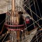 Bauen Sie die Sovereign of the Seas - Die Takelage lässt sich mühelos an Masten und Bäumen montieren.