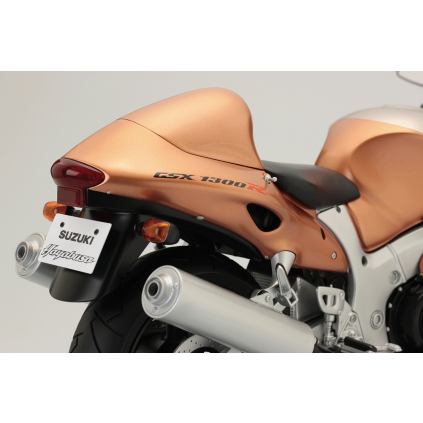 Suzuki GSX 1300R Hayabusa scale model