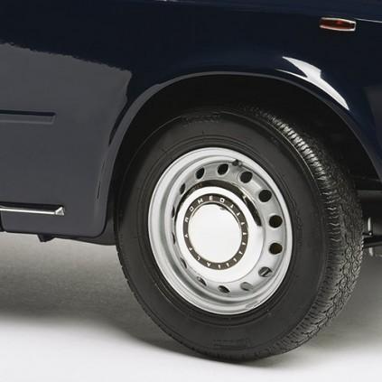 Giulia dei Carabinieri | Modellino auto scala 1:8