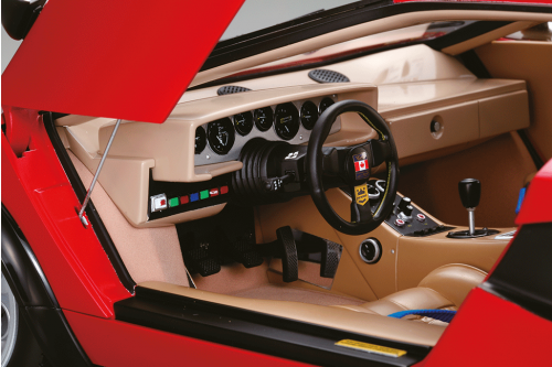 Lamborghini Countach LP 500S Model - The car's interior