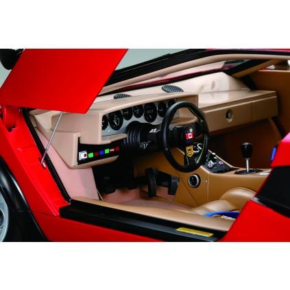 réplica a escala 1:8 del Lamborghini Countach LP 500S